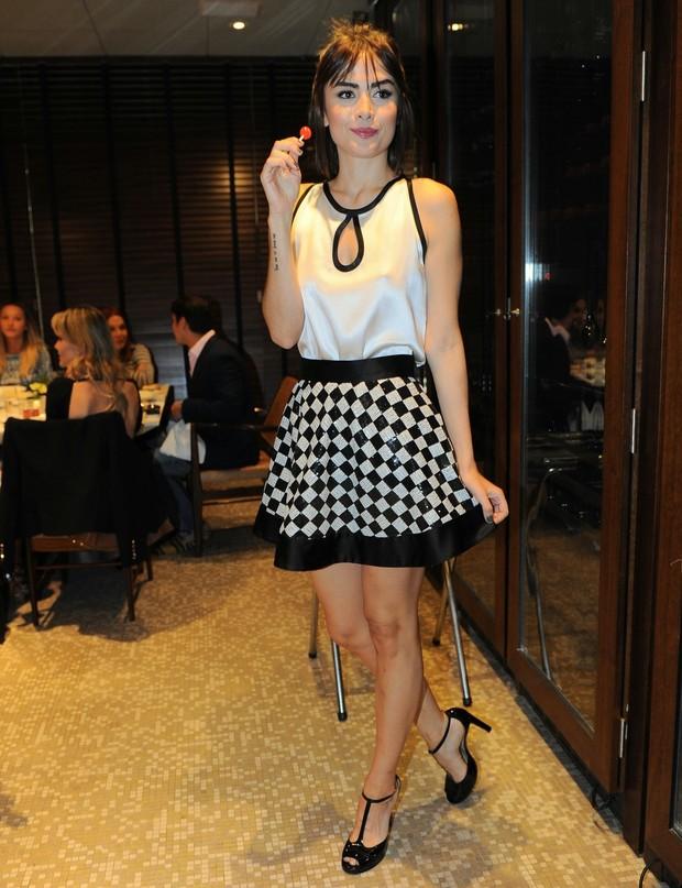 maria_casadevall Inspiração do dia : Look Preto e Branco