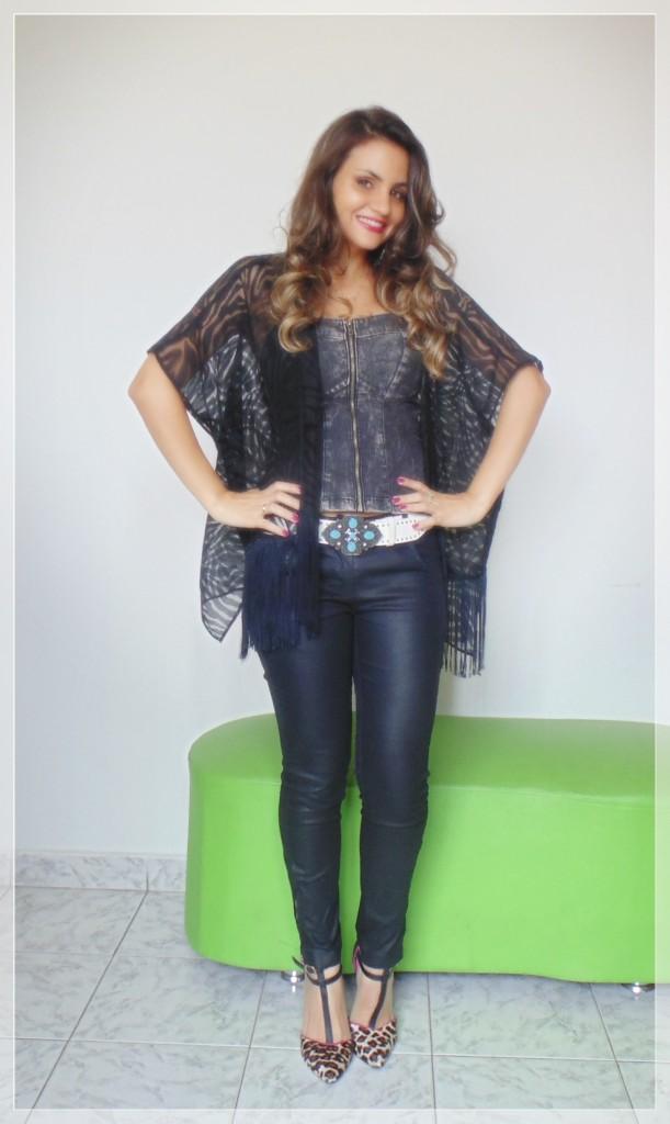 DSC02095-611x1024 Look da Ká: sombrio preto da vez  + top jeans + kimono