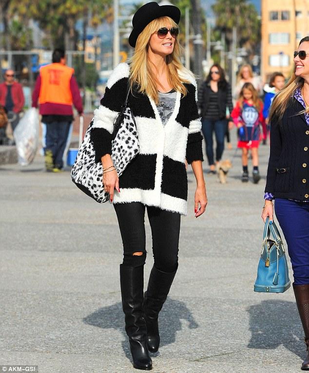 article-2498236-1954D41200000578-244_634x766 Looks para usar em viagens no inverno