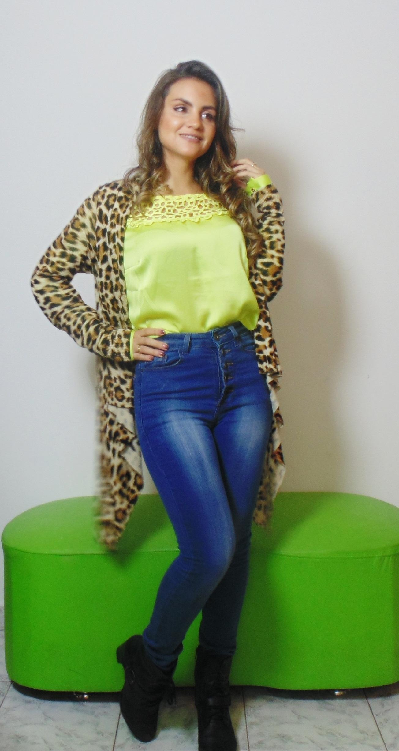 DSC02923 Look da Ka: Neon + Jeans cintura alta +  Cardigan de onça