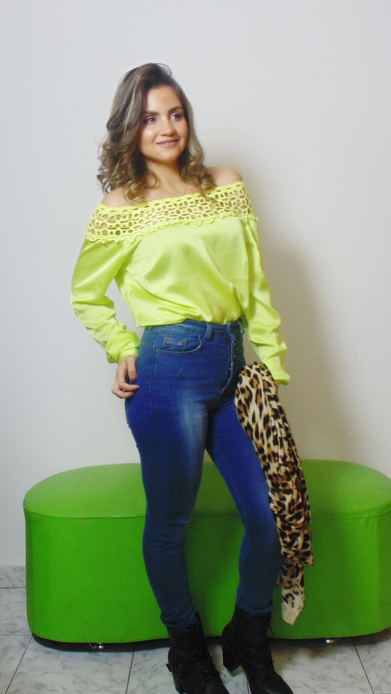 DSC02926 Look da Ka: Neon + Jeans cintura alta +  Cardigan de onça