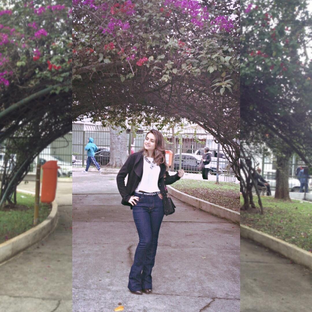 Instasize_0913123921 Look da Ká: Jeans Cintura alta e Flare + Top cropped!