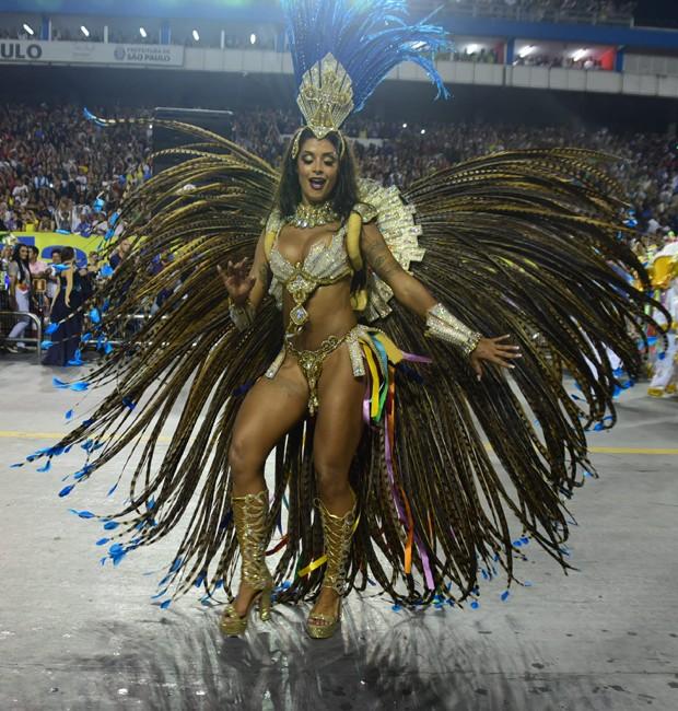 alineriscado3 Moda de rua: Looks Bafonicos de Carnaval