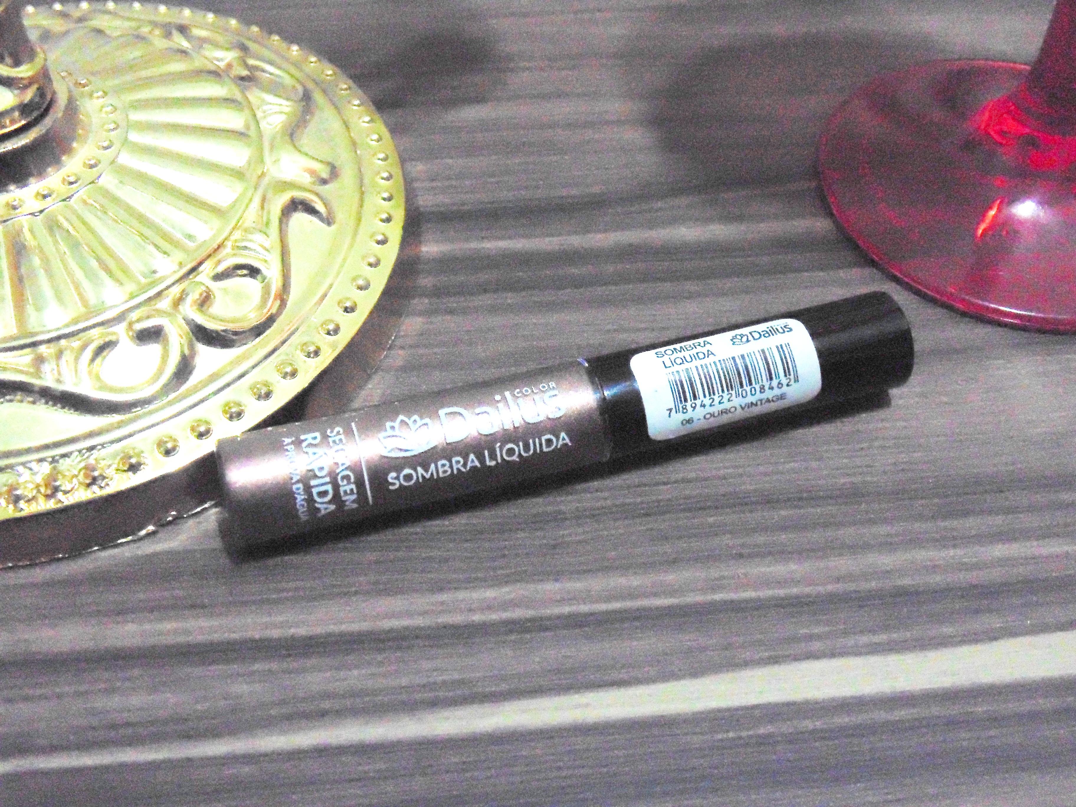 DSC04025 Eu uso eu indico: Sombra Liquida Dailus - Ouro vintage